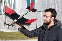 瑞士研发新型仿生无人机,机翼自带羽毛还可以变身