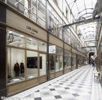 DI.D Studio设计的意大利品牌Les Cinq巴黎展厅工作室