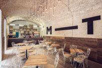 匈牙利MazelTov酒吧空间创意设计