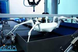 3D打印机制造的蜘蛛机器人
