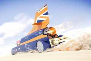 地上跑的比天上飞的还快?揭秘时速1600公里的超音速赛车的制造过程